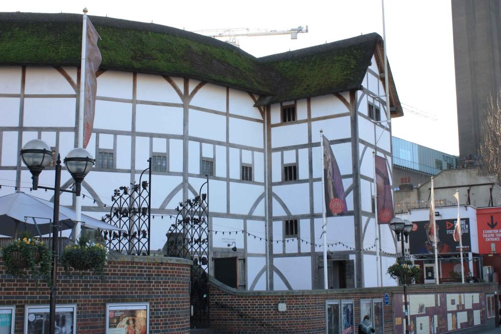 Globe Theatre Exterior
